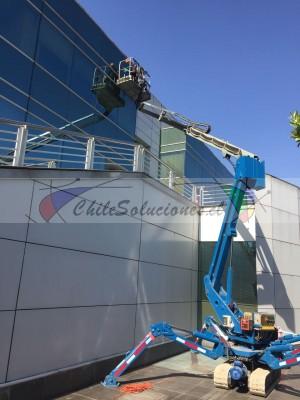 limpieza de fachadas en altura, limpieza de vidrios en altura