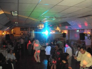 dj matrimonio eventos audio e iluminacion pantalla gigante karaoke