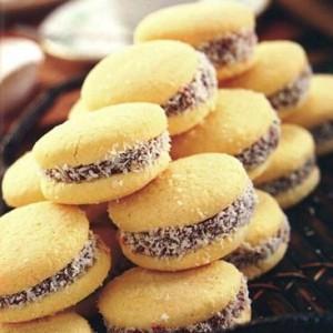canapés. empanaditas, pastelitos, tapaditos, dulces, coctelería a domicilio