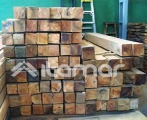 madera de roble para estructuras exteriores.