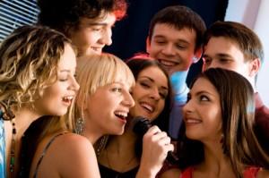 karaoke  –  animación  -  disco peques – lolos  y  adultos  -  luces