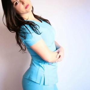 terapeuta profesional ofrece terapias para varones.  56954614892