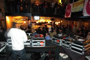 dj movil, dj, amplificacion, iluminacion para fiestas eventos